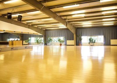 Aerobic und Fitness Kursraum im Fitnessstudio in Düsseldorf