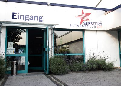 Eingangstür Seestern Fitnessclub Süd.